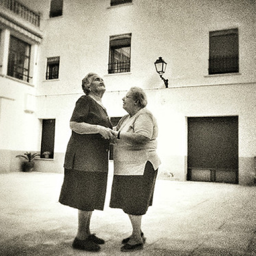 """MARIA Y CARMEN • <a style=""""font-size:0.8em;"""" href=""""http://www.flickr.com/photos/47241458@N04/23403322785/"""" target=""""_blank"""">View on Flickr</a>"""